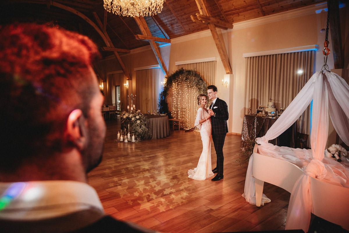 Ślubna sesja stylizowana w Skansen Bicz 104
