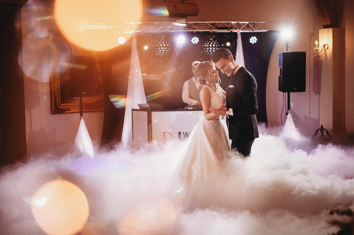 Ślubna sesja stylizowana w Skansen Bicz 87