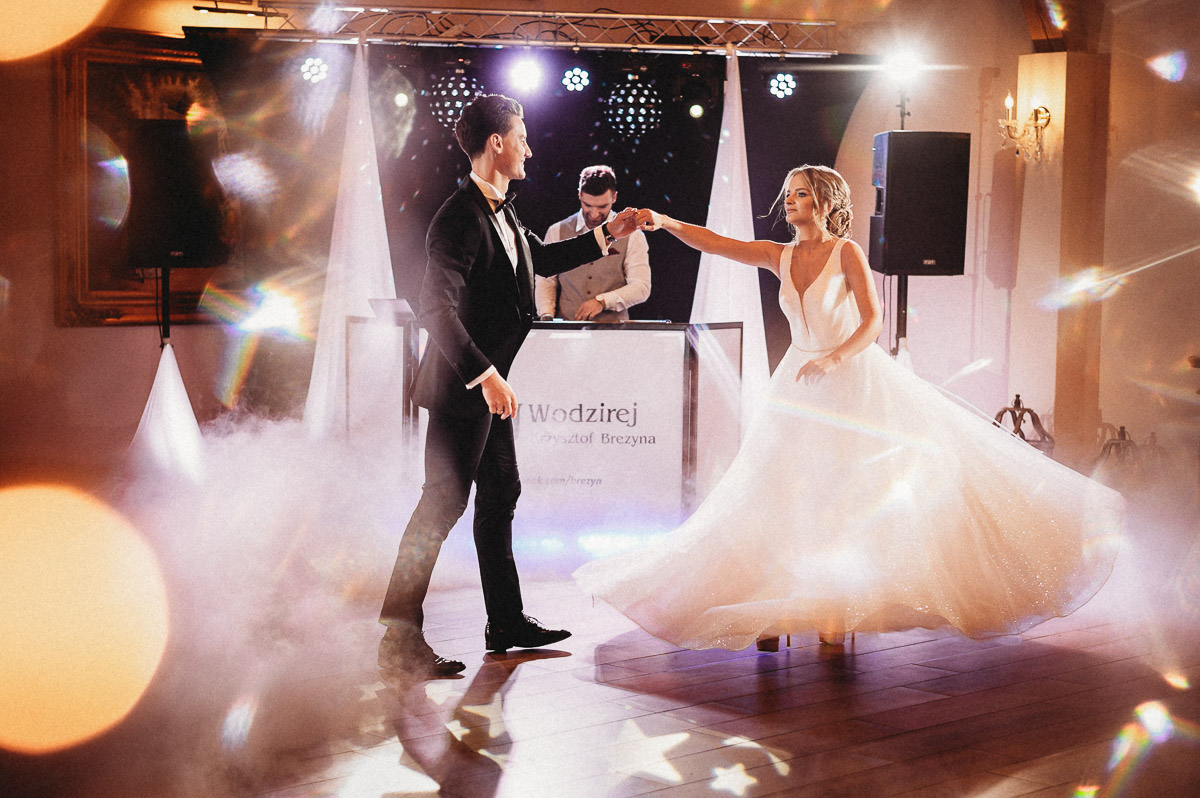 Ślubna sesja stylizowana w Skansen Bicz 96