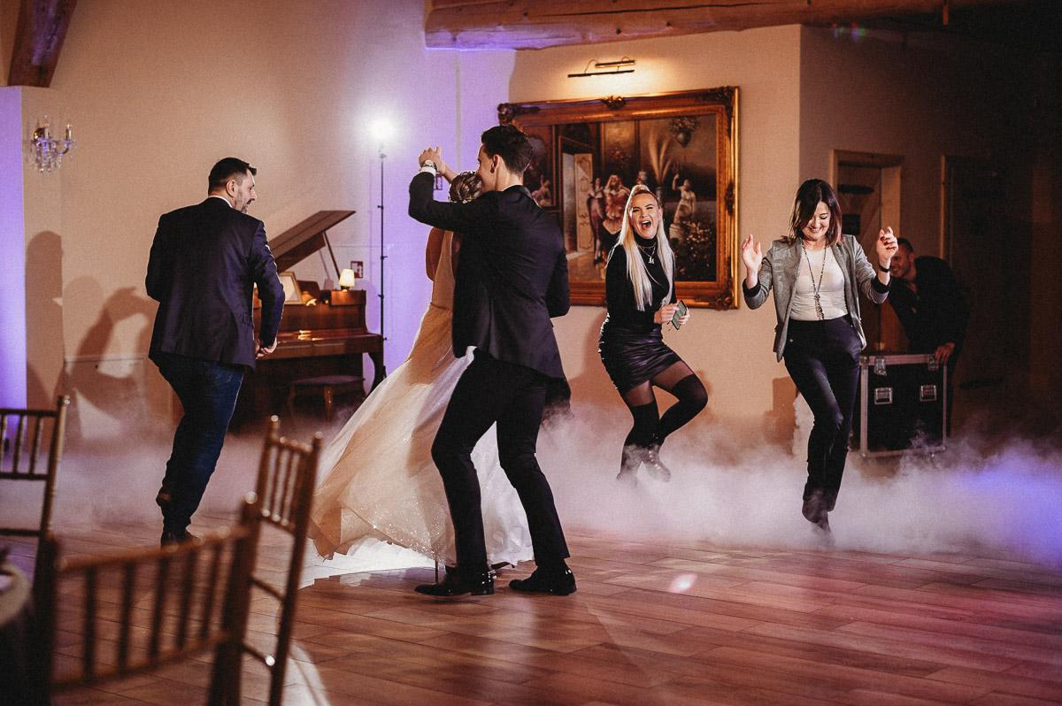 Ślubna sesja stylizowana w Skansen Bicz 106
