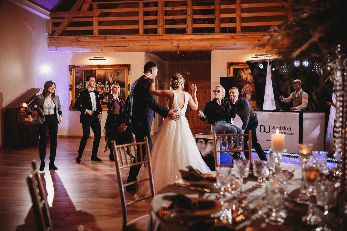 Ślubna sesja stylizowana w Skansen Bicz 108