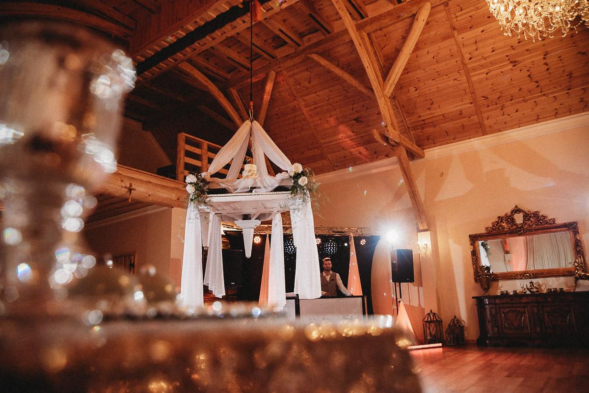 Ślubna sesja stylizowana w Skansen Bicz 128