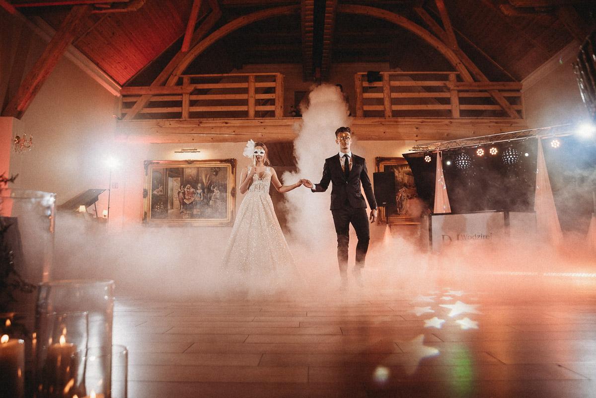 Ślubna sesja stylizowana w Skansen Bicz 134
