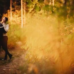 Marlena i szymon i ich jesienna sesja narzeczeńska na łonie natury w okolicach Konina 3